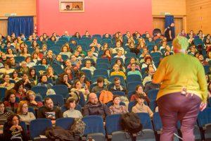 A psicóloga Pepa Horno inaugurou este luns a V Semana da Educación de Tomiño